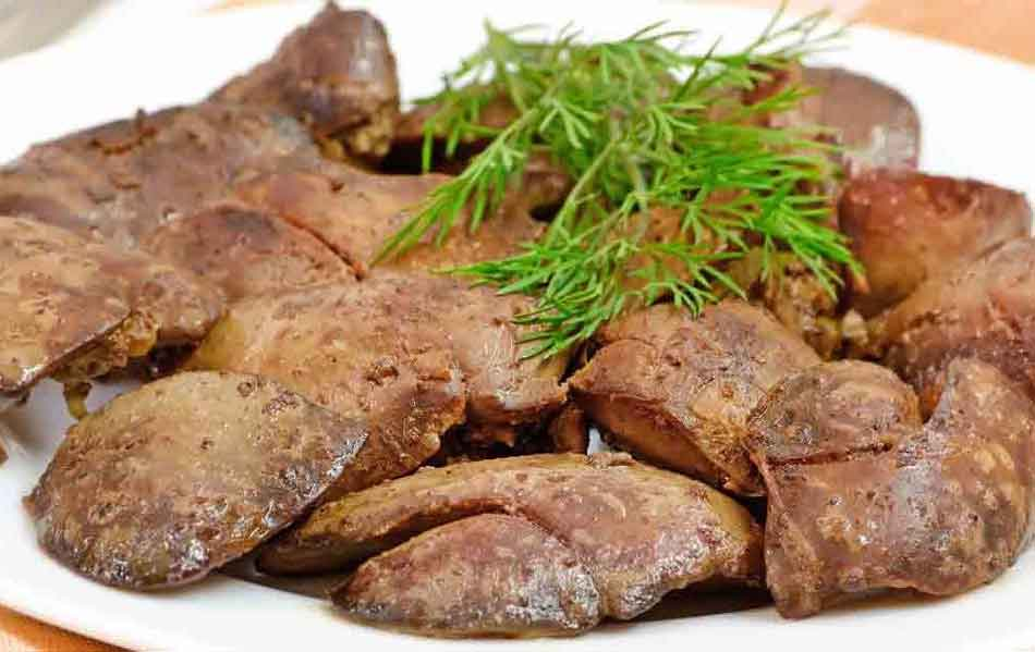 some cooked chicken livers on a plate